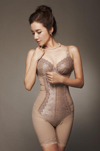 345f2ab1a1a [보정속옷]로젤린 홍보영상입니다. 보정속옷의 명품다운 보정력을 보여드립니다. : 네이버 블로그