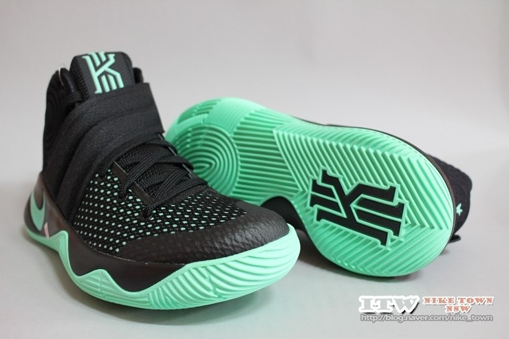 brand new c2529 afe95 이태원 나이키 타운] KYRIE 2