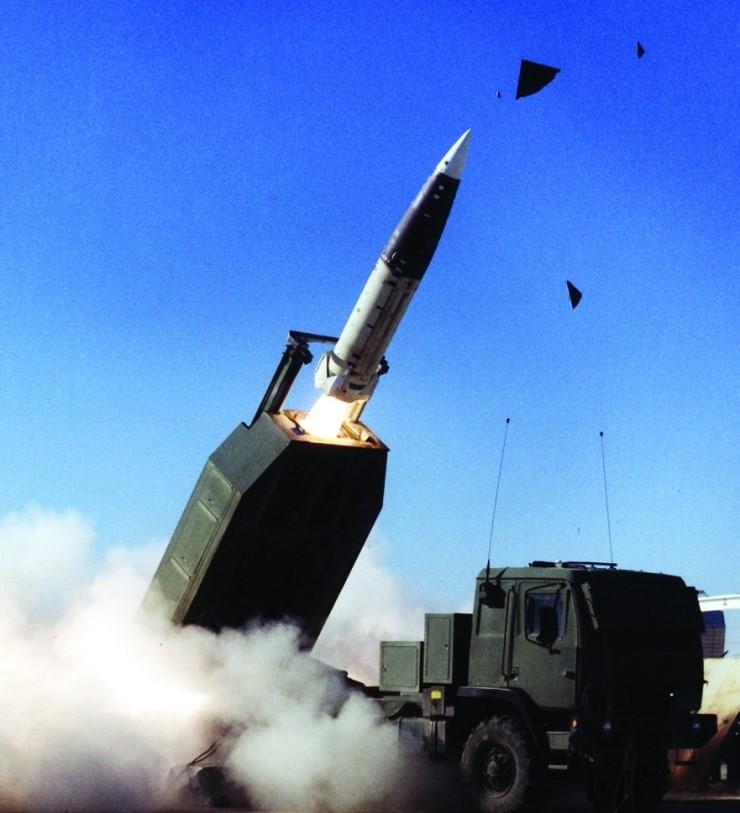 راجمة الصواريخ الامريكية HIMARS ATACMS-block-1a-unitary-photo-04-h